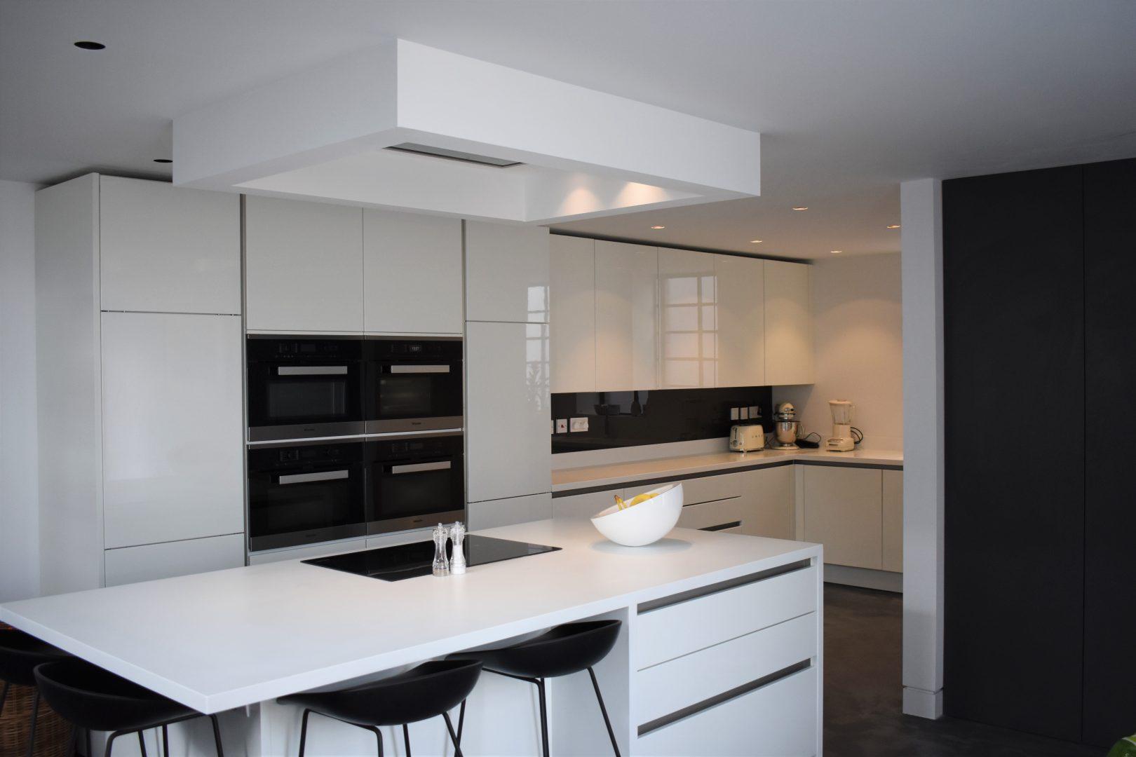 Minimalist white and black kitchen
